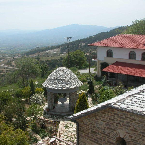 ιερά Μονή Αγίας Τριάδος Λιβαδίου